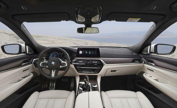 В Сети появились официальные фото нового BMW 6-Series Gran Turismo