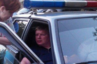 В центре Симферополя пьяный экс-депутат наехал на женщину на скамейке