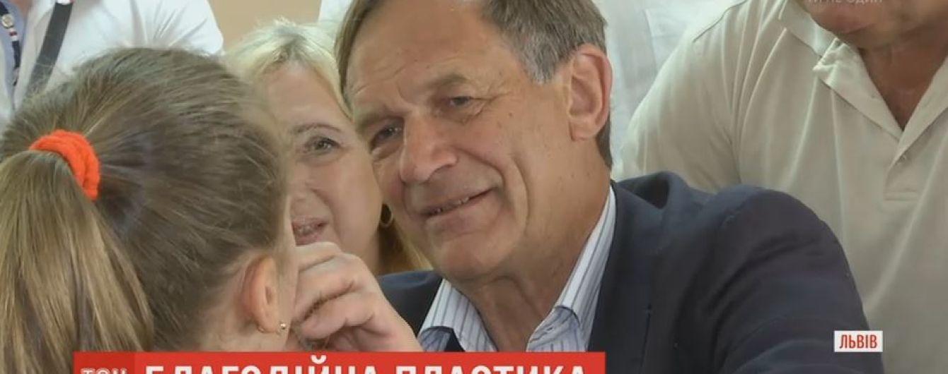 Німецький хірург-благодійник проведе унікальні операції українським дітям