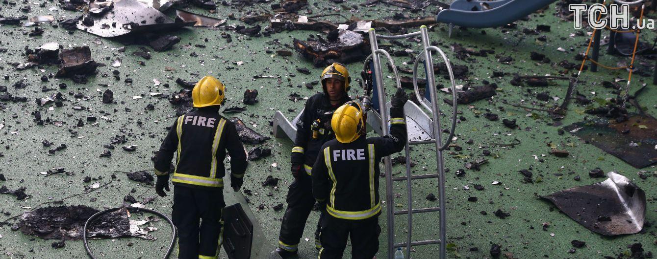 Рідні жертв страшної пожежі в Лондоні критикують рятувальників за хаотичну евакуацію