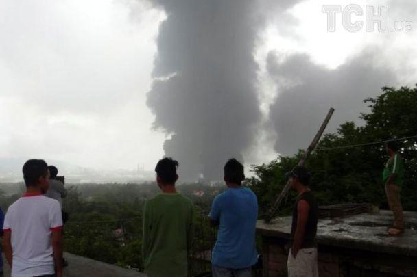 В Мексике горит один из крупнейших нефтеперерабатывающих заводов