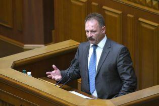 """""""Это как принять закон, что после декабря будет май"""": депутаты высмеяли """"сексуальный"""" законопроект Барны"""