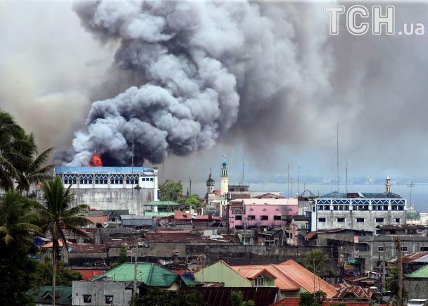 На Філіппінах ісламісти понад три тижні утримують місто Мараві: що варто знати