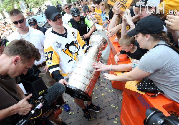 """Грандіозне святкування. На чемпіонський парад """"Піттсбурга"""" прийшли 650 тисяч людей"""