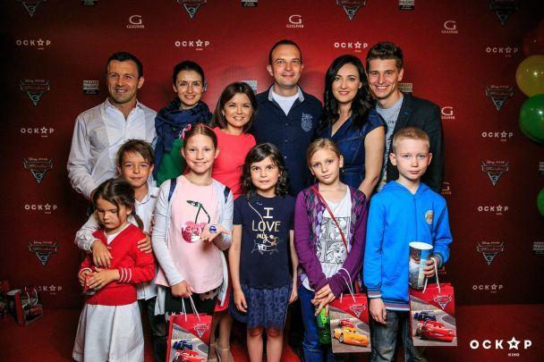 """Падалко с семьей, Витвицкая с мужем и Осадчая оценили новый мультик """"Тачки 3"""""""