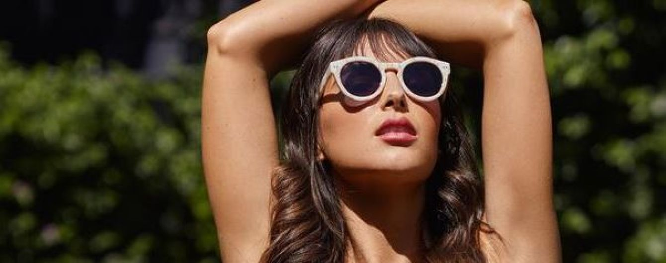 27-летняя модель Playboy показала фото без бюстгальтера