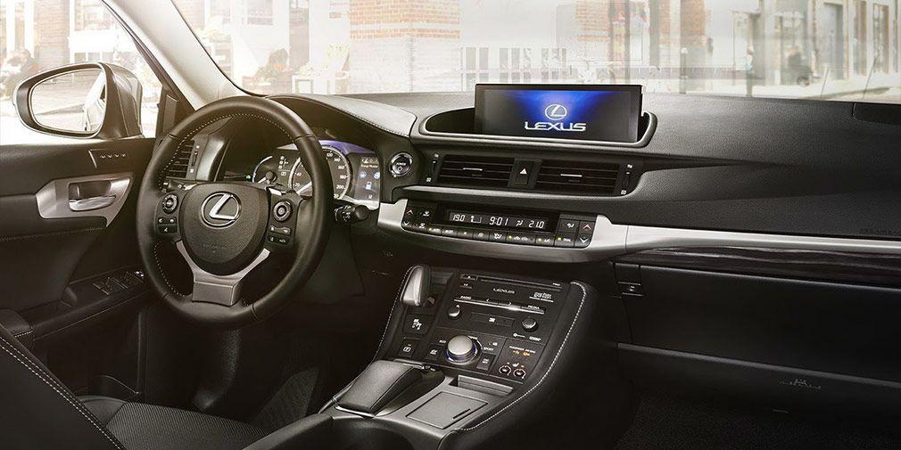 Lexus СT 200h