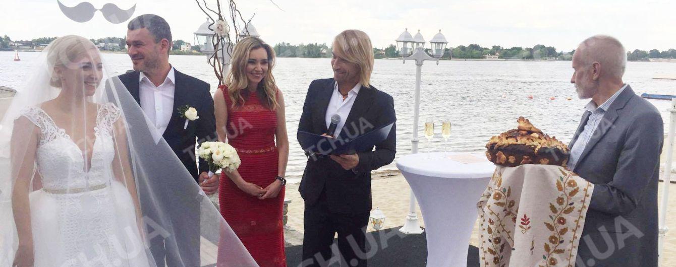 Новоспечених молодят Матвієнко та Мірзояна розписав Олег Винник