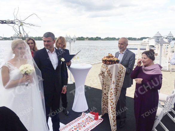 Тоня Матвиенко иАрсен Мирзоян вконце концов поженились
