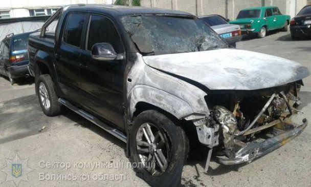 Поліція назвала попередню причину загоряння автомобіля родини нардепа у Луцьку