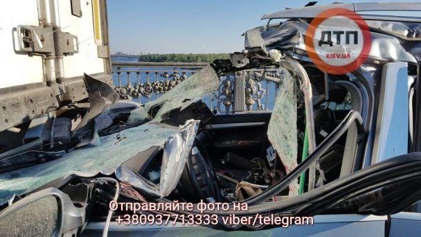 Мост Патона остановился из-за смертельного ДТП