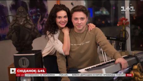 """Ведучий """"1+1"""" Олександр Попов зіграв роль у мелодрамі """"Танець метелика"""""""