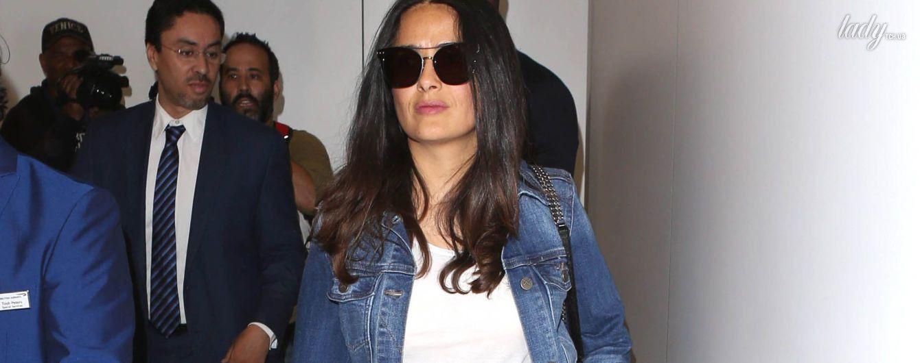 Как всегда, великолепна: Сальма Хайек в аэропорту Лос-Анджелеса