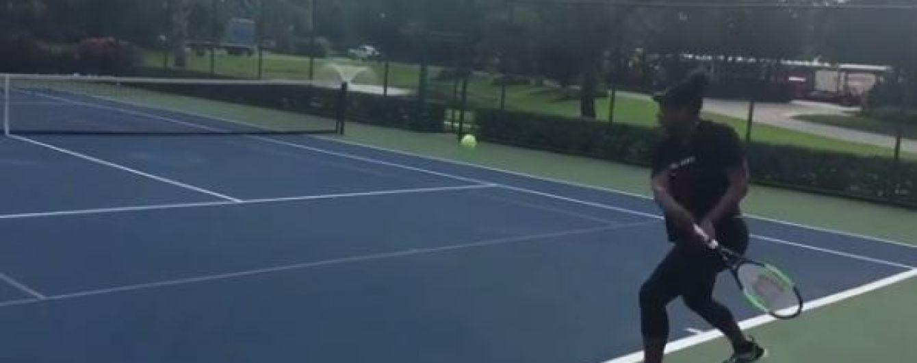 Легендарная Уильямс сыграла в теннис на седьмом месяце беременности
