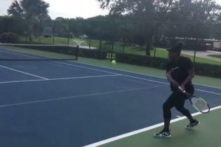 Легендарна Вільямс зіграла в теніс на сьомому місяці вагітності