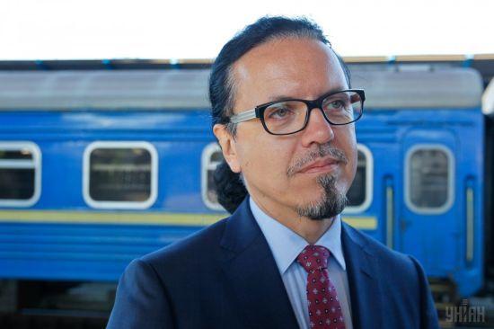 """Керівник """"Укрзалізниці"""" подав заяву про звільнення – Гройсман"""