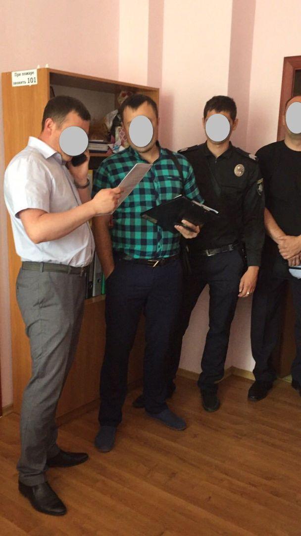 У Бердянську обшукують міськраду