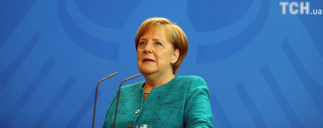 Меркель розкритикувала США за нові санкції проти Росії