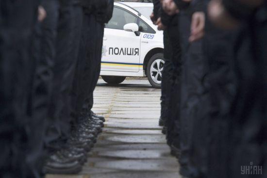 У Львові на Різдво водійка під наркотиками провезла поліцейського на капоті півкілометра