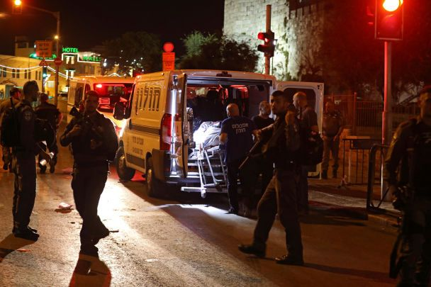 Жестокая атака в Иерусалиме: полиция Израиля не видит связи между нападавшими и террористами