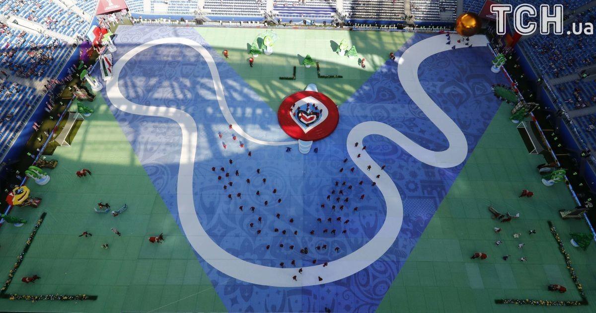 Відкриття турніру на порожньому стадіоні @ Reuters