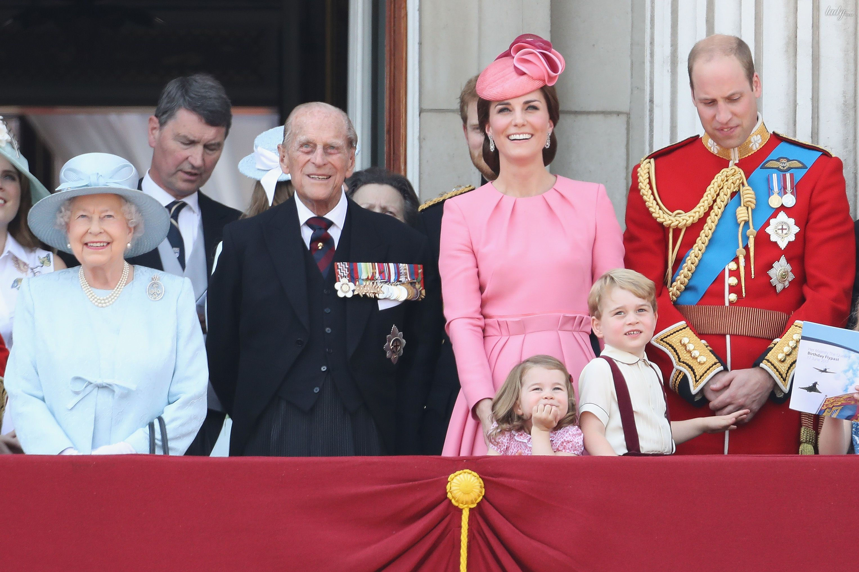 Парад в честь дня рождения королевы_5