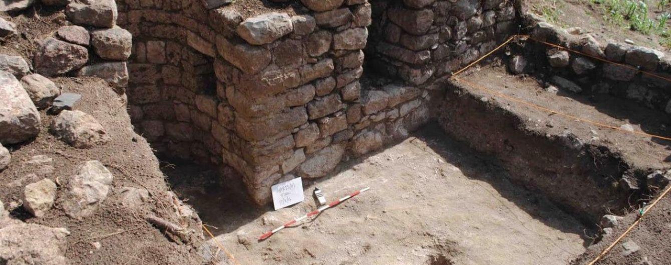 """Археологи нашли в Африке забытый """"город великанов"""""""