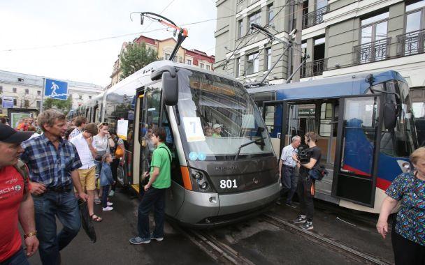 В Киеве на Параде трамваев показали ретро-транспорт и современный с кондиционером и WiFi