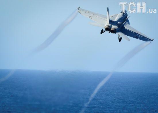 Американський винищувач збив сирійський літак, який обстрілював повстанців