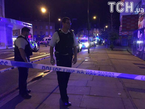 В Сети появились первые фото и видео наезда на толпу пешеходов в Лондоне