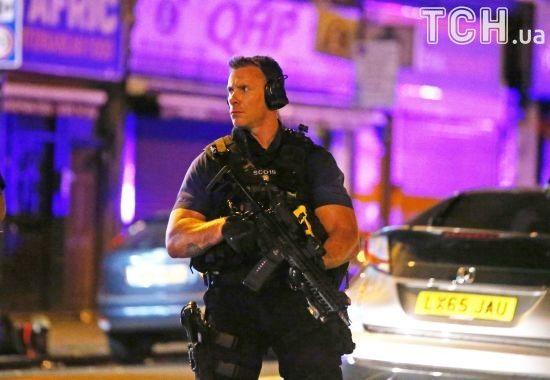 Правоохоронці поки не кваліфікують наїзд на натовп в Лондоні як теракт