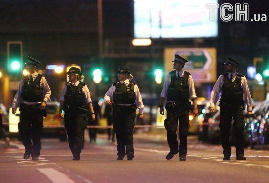 Через наїзд фургона біля лондонської мечеті загинула одна людина