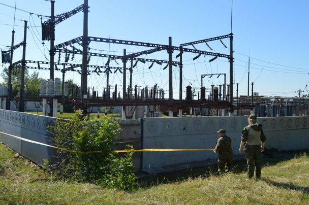 НаДонеччині прогримів вибух: невідомі хотіли знеструмити залізничну станцію і село