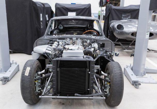 Jaguar Land Rover объявил об открытии большого автосалона классических авто