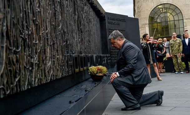 Нам удалось не дать осуществиться планам Путина по восстановлению российской империи – Порошенко