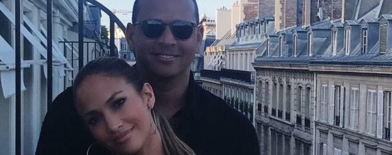 Дженнифер Лопес застукали с известным любимым во время романтических каникул в Париже
