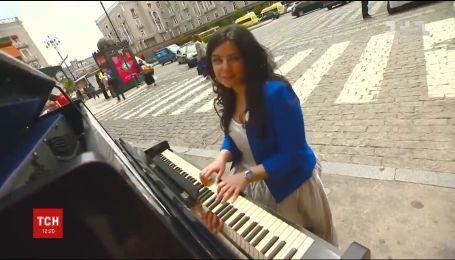 В Тбилиси с помощью пианино пытаются привлечь внимание к безопасности дорожного движения