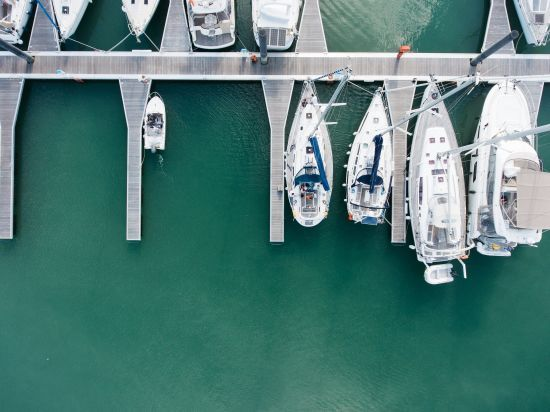 Дорогие яхты, катера и теплоходы. На чем плавают украинские политики