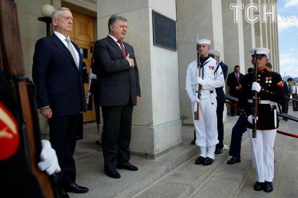 США продолжат поддерживать Украину: Порошенко встретился с главой Пентагона