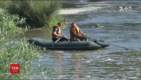 Водолази знайшли в Дністрі тіла 14-річного хлопця та його вчителя