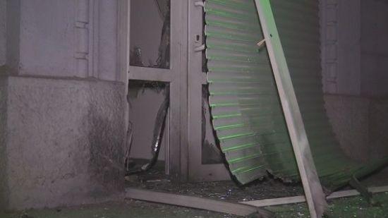 У Києві невідомі кинули вибухівку під двері магазину