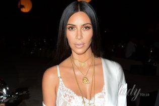 6 тысяч камней Swarovski для бикини: Ким Кардашьян похвасталась постройневшей фигурой