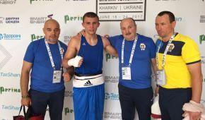 Шестеро українських боксерів пробилися до півфіналів чемпіонату Європи