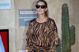 В тигровом комбинезоне и лаковых туфлях: Селин Дион на улицах Парижа