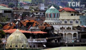 Армия Филиппин загнала в угол боевиков, которые более месяца удерживают город Марави