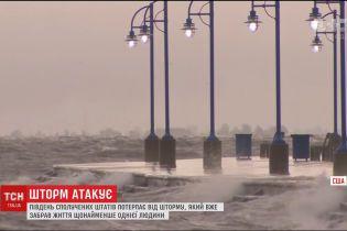 У Сполучених Штатах вирує потужний шторм