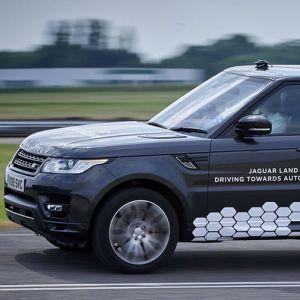Jaguar Land Rover показал автомобиль с автопилотом