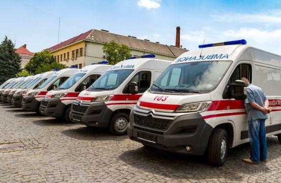 На Буковині під час весілля отруїлися 15 людей