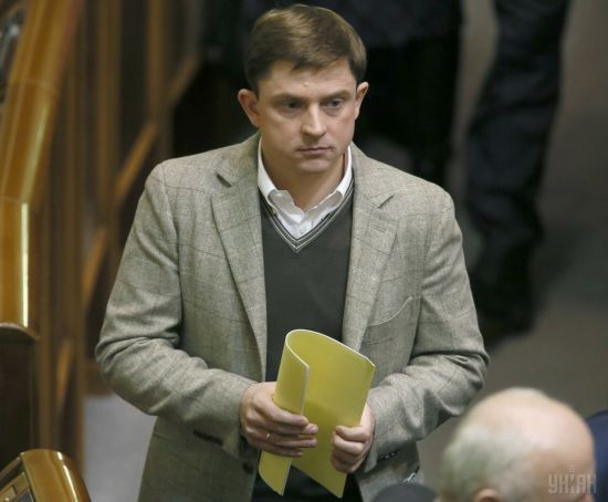 Луценко підписав підозру Довгому