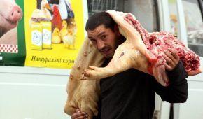 В Україні рекордно дорожчає свинина
